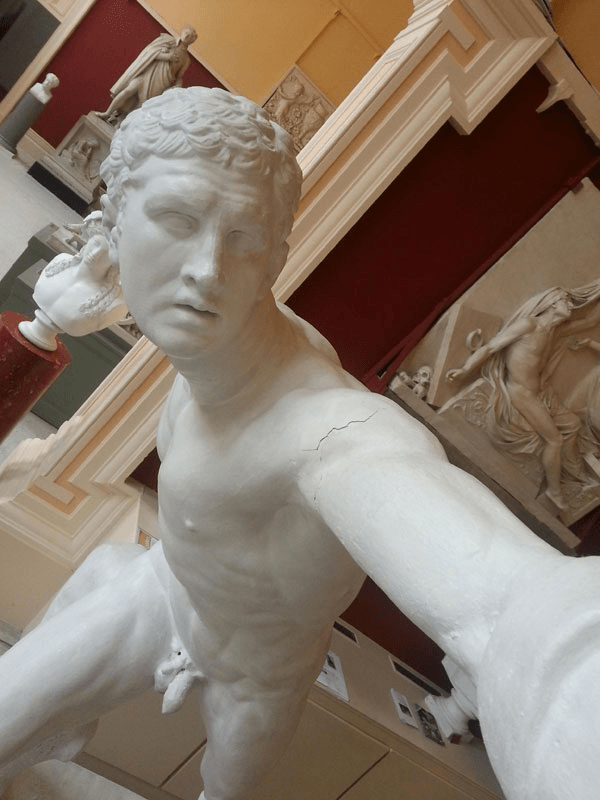 Statues Taking Selfies