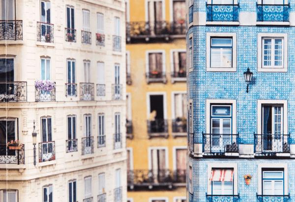 オシャレな包装紙!プレゼントが創る美しいヨーロッパのアパートの街並 - Skyline Gift Wrap