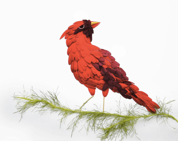 これはみとれてしまう。花びらでつくられた鳥たち - birds made of flower petals