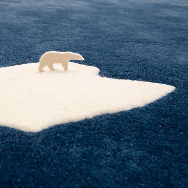 一頭の白熊が切ない。。温暖化へのメッセージが強すぎるデザインのラグ - Global Warming Rug