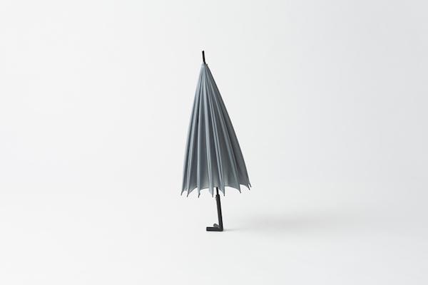 どうして今までなかったのか。壁に立てかけやすい自立するオシャレな傘 - stay-brella
