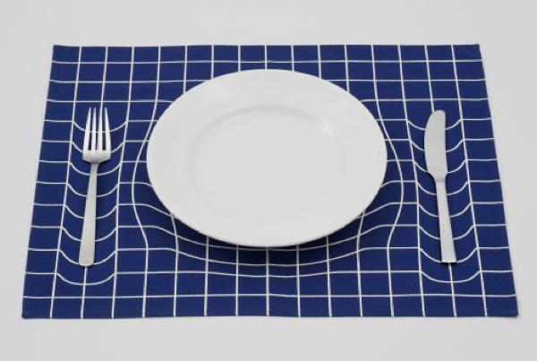 食器が沈む?!だまし絵のようなランチョンマット - trick mat