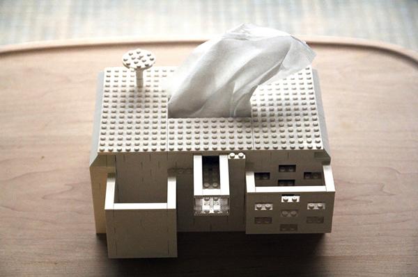 機能的でカワイイ! LEGOで作ったオシャレハウス風ティッシュケース- Tissue House