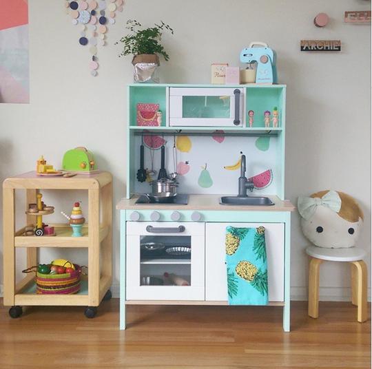 Kitchen Renovation Apartment Therapy: Ť�人も遊びたくなる!IKEAのおままごとキッチンを本気でリメイクするとこうなる