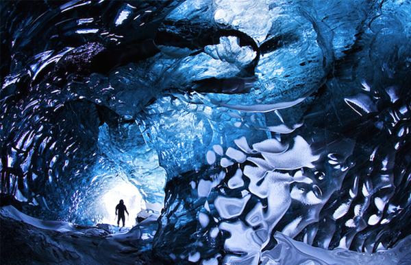 地球の不思議!信じられないほど神秘的な氷でできた洞窟