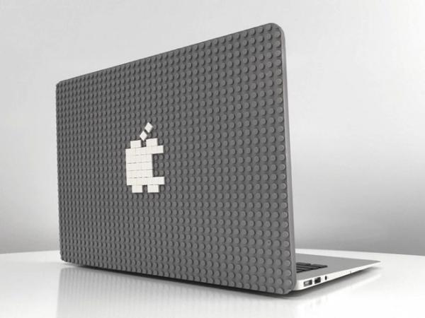 世界一遊べる!機能的にもオシャレにもできるLEGOが使えるMacbookのケース