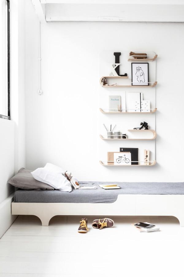 シンプルで美しい。カスタマイズ自由自在の壁に取り付ける飾り棚
