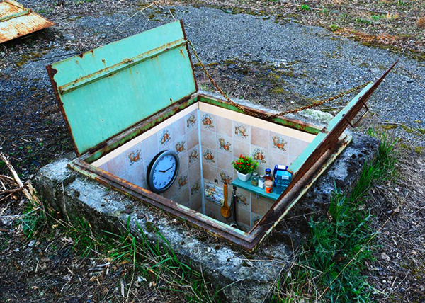 miniature underground rooms