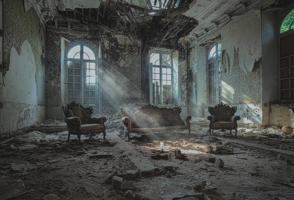 romantic abandoned places