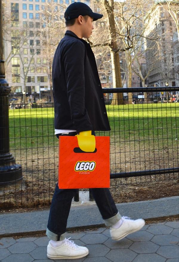 これは二度見する!LEGOの手になる紙袋