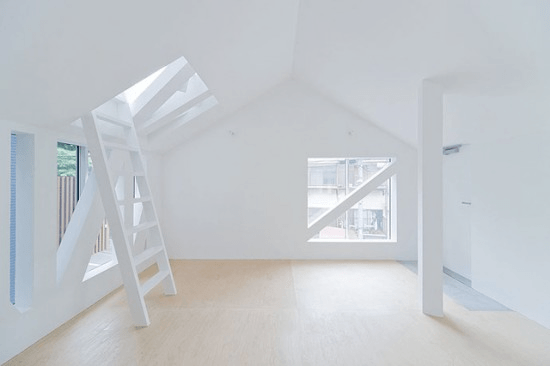 Crayze Apartment in Tokyo