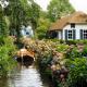 メルヘンすぎる!道路のない水路だけの美しい村、ヒートホールン
