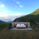 えっ!ここで寝るの?!アルプス山脈のベッドだけのホテル