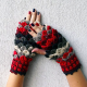 手からウロコ。色鮮やかなドラゴン風な手袋